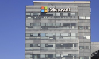 "Microsoft's Surprise, Says It ""Stands with Apple"""
